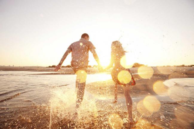 Las mejores apps para ligar o conocer gente en las vacaciones Playas en el mundo