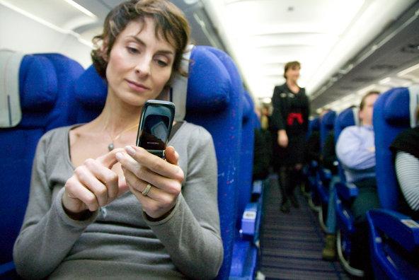 Desactivar el modo avi�n durante un vuelo �es riesgoso o no? Playas del mundo
